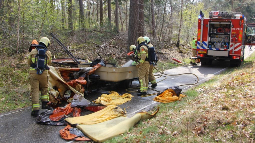 Brand in vouwwagen in Nunspeet