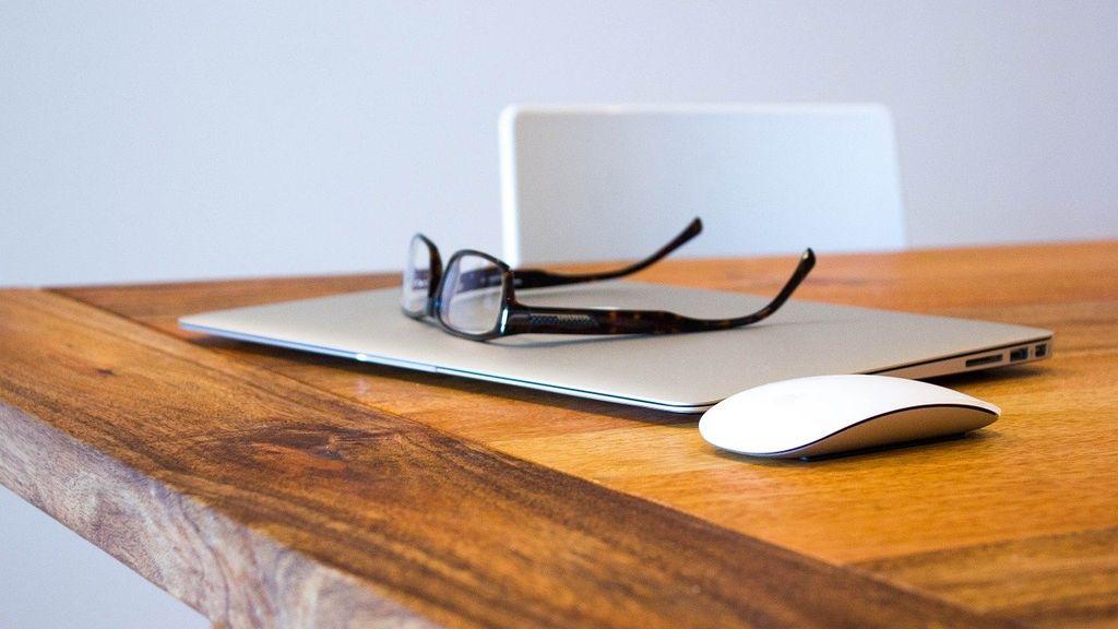 Signalen die aangeven dat je een leesbril moet kopen