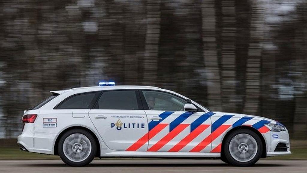 Politie rijdt vrouw aan in Renswoude