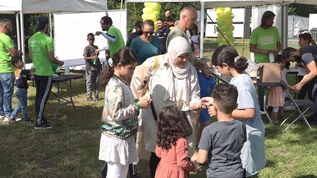 Ramadanfeest veel drukker dan verwacht: 'Je zag Annie samen met Fatima'