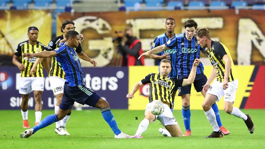 TERUGLEZEN | Vitesse kan geen potten breken tegen Ajax, 1-3 nederlaag