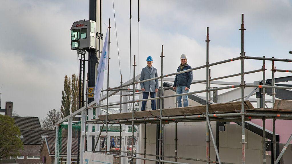 Hoogste punt nieuw schoolgebouw Ederveen bereikt