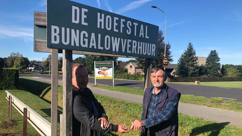 André van Sloten draagt bungalowpark over aan nieuwe eigenaar en beheerder