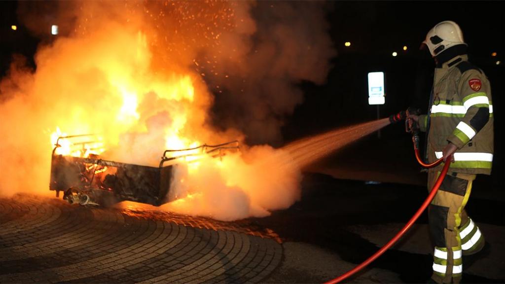 Burgemeester over nieuwjaarstroep in Beesd: 'Ruim het zelf maar op'
