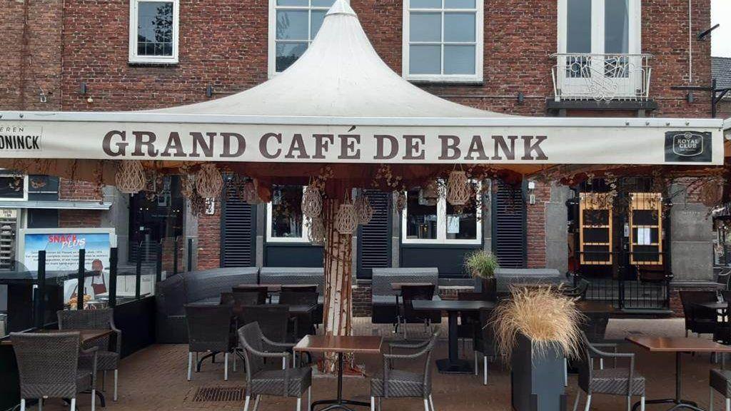 Afwasser heeft corona, café in Doetinchem dicht