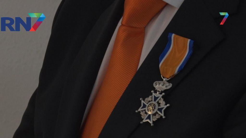 Burgemeester Overbetuwe heeft het druk: 16 koninklijke onderscheidingen