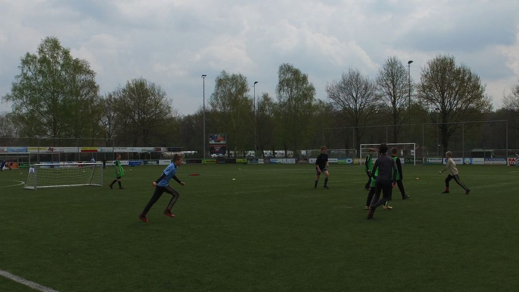 Meer dan 70 kinderen genieten van voetbaldagen in Hulshorst