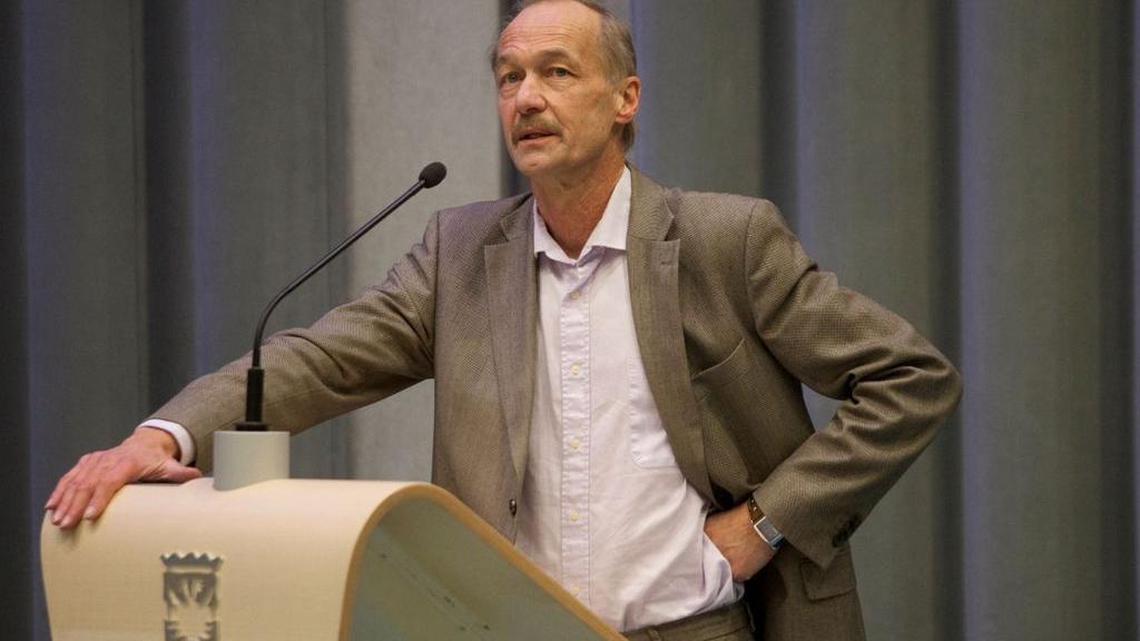 'Veroordeelde oud-wethouder Martin van Meurs eist partijnaam Arnhem Centraal op'