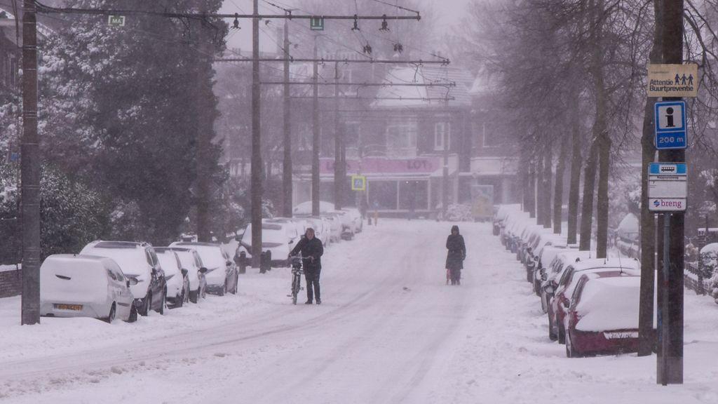 Sneeuwpret en overlast door dik pak sneeuw