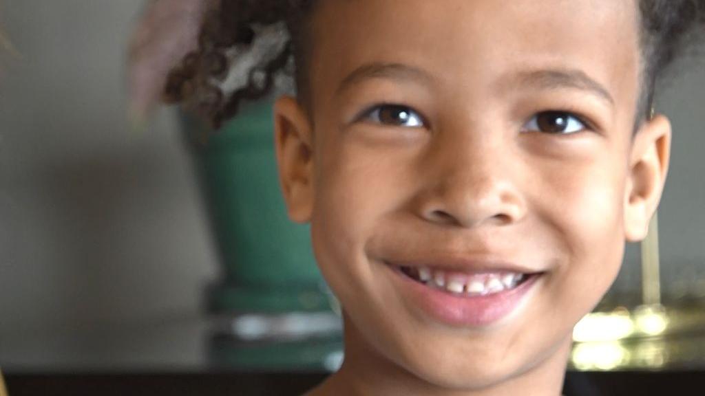 De 6-jarige Duane is hoogbegaafd. Foto: Omroep Gelderland