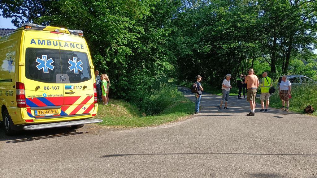 Ongeluk auto en fietser in Doornspijk
