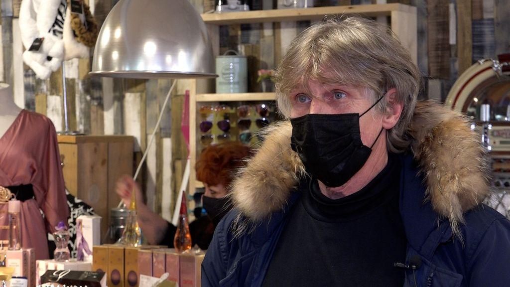 Bert Kersten is er klaar mee en gooit zijn winkel helemaal open.  Foto: Omroep Gelderland