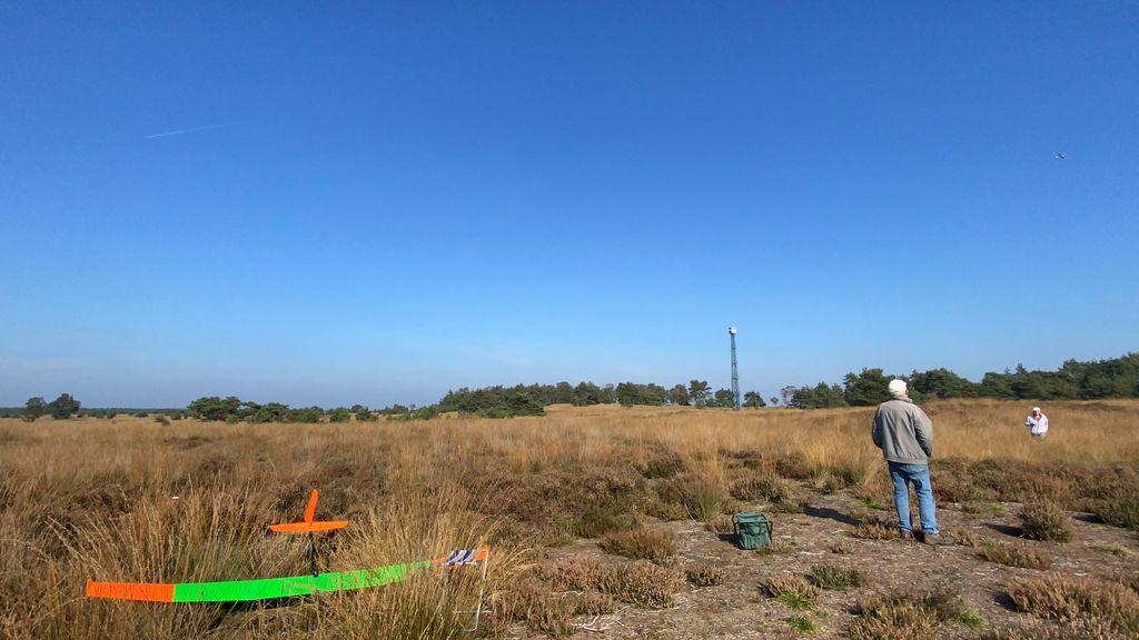 Modelvliegers vrezen voor hun plekje op het Rozendaalse veld