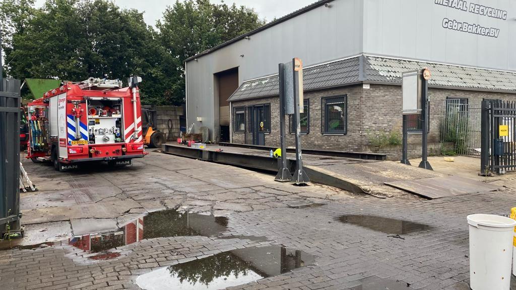 Brand bij metaalrecyling bedrijf Arnhem