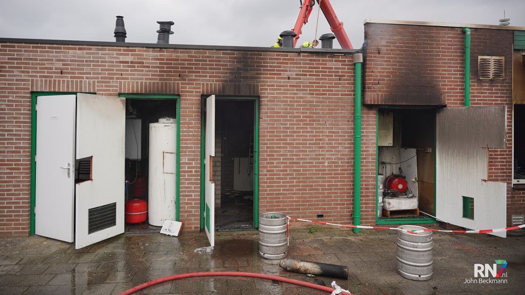 Clubhuis voetbalclub SCP verwoest door brand