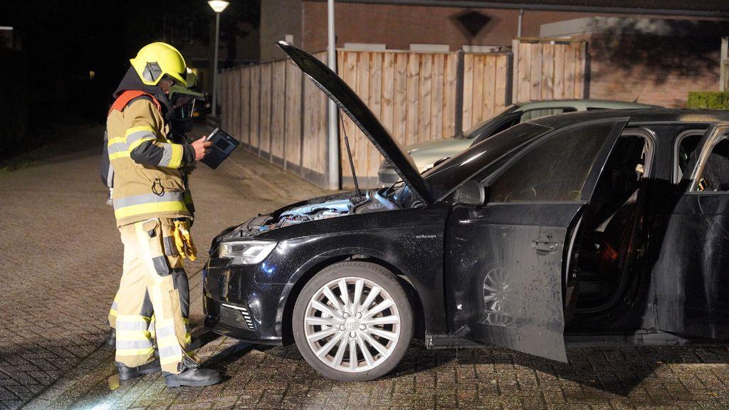 Autobrand aangestoken in Beuningen