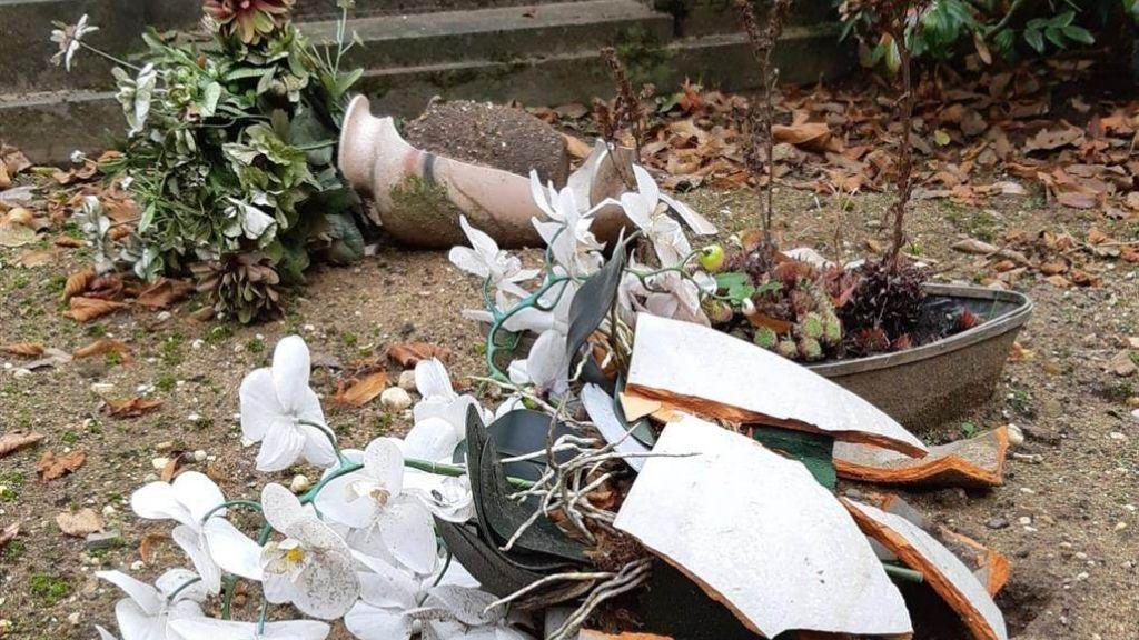 Meerdere vernielingen op begraafplaats in Aalten, politie gaat extra controleren