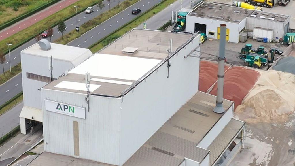 Asfaltcentrale APN in Nijmegen. Foto: Frank Flydrone