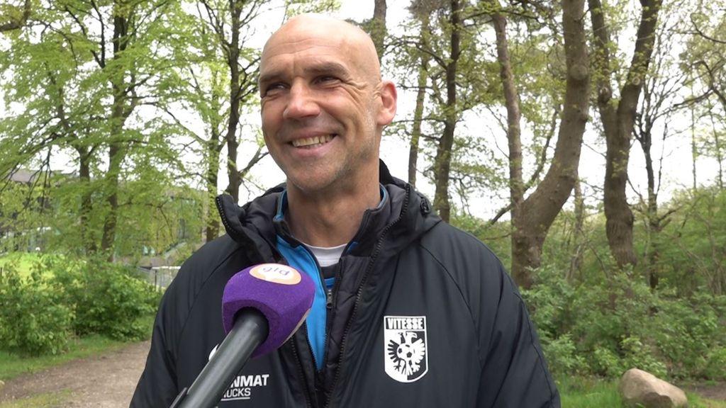 Vitesse-trainer Letsch gaat andere spelers kans geven tegen Ajax