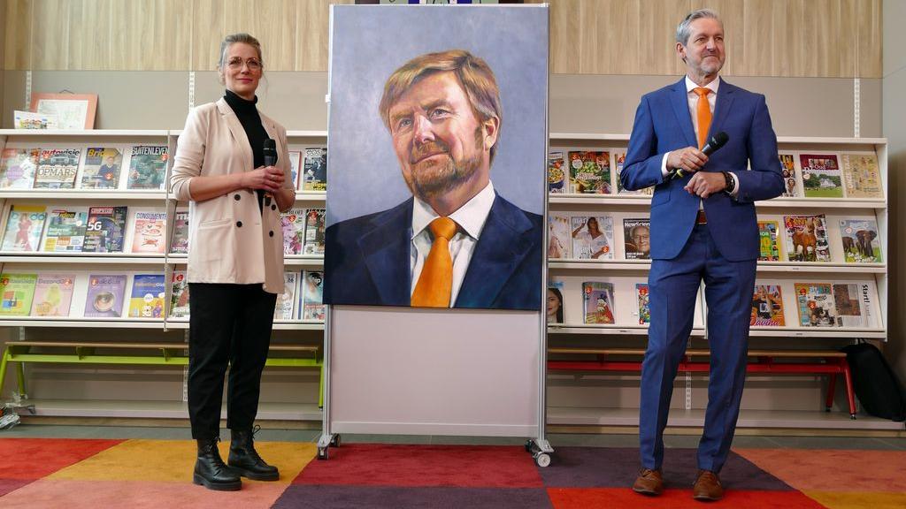 Rhenense kunstenaars schilderden een actueel portret van onze majesteit