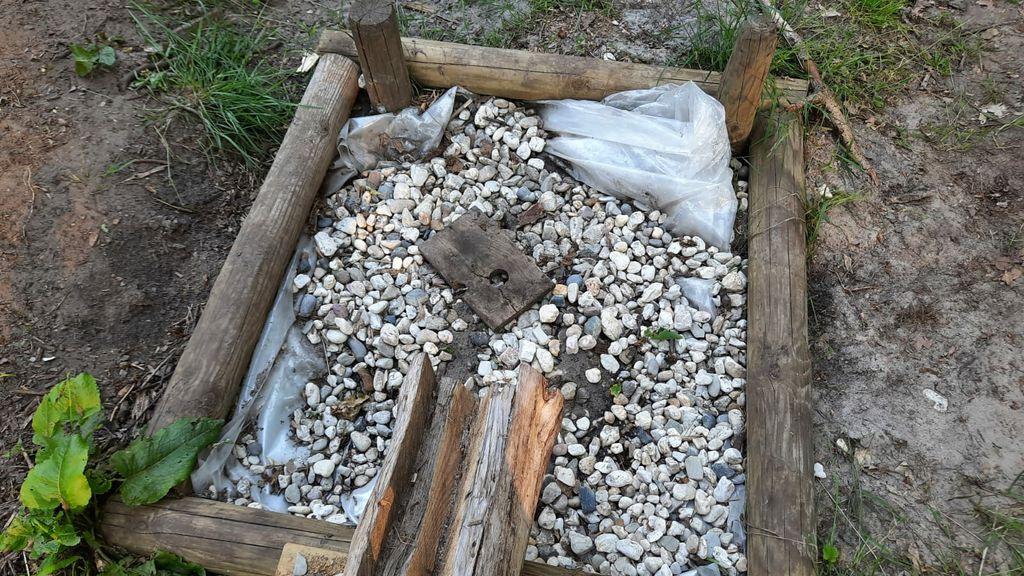 Vernielingen bij te nieuw te openen natuurspeeltuin in Elburg Foto: Gemeente Elburg