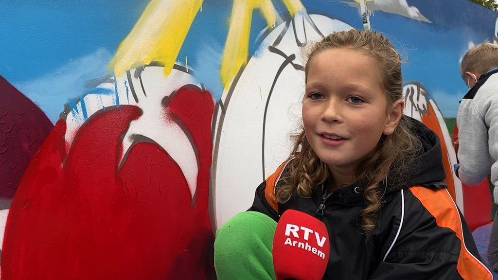 Graffiti spuiten in Rijkerswoerd houdt jongeren van de straat