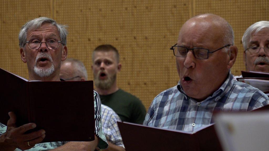 Mannenkoor Heerde zingt weer na coronadrama: 'Iedereen is weer dolenthousiast'