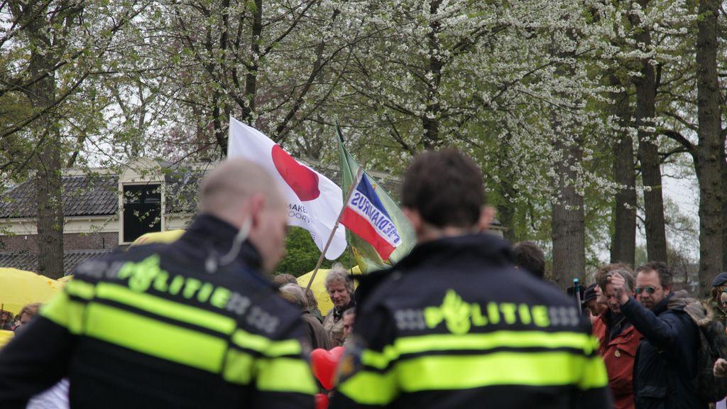 Politie bij de demonstratie in Barneveld. Foto: ANP/Hollandse Hoogte/GinoPress