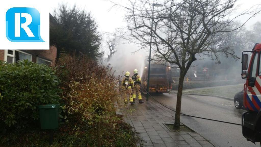 Brand in vuilniswagen in Rozendaal door vuurwerk
