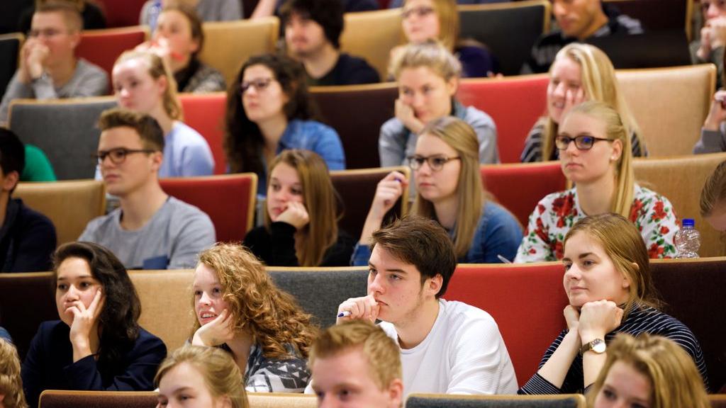 Blijdschap maar ook zorgen: collegezalen zitten weer vol