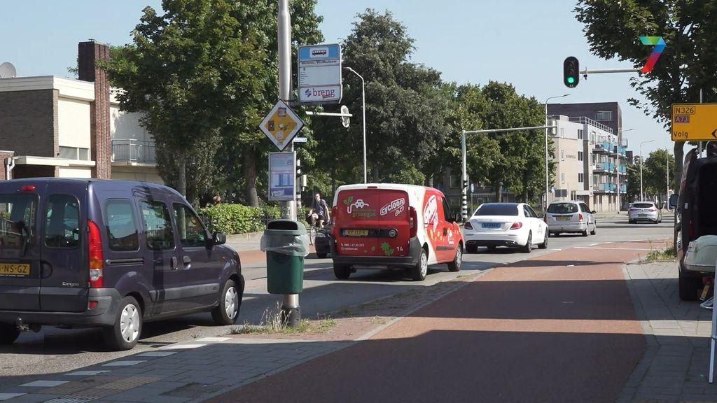 Bewoners Molenweg zijn verkeersoverlast zat: 'Ze rijden als gekken'
