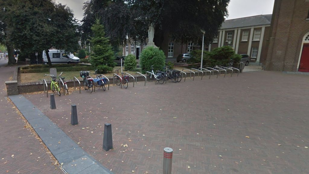 De fietsenstalling bij Markt 19. Foto: Google Street View