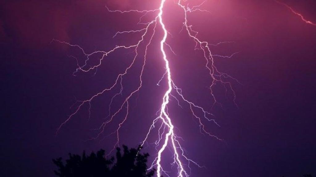 Zware onweersbuien in aantocht, code geel van kracht