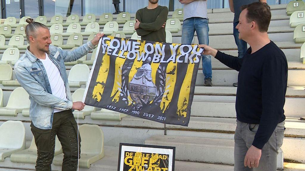 20.000 posters en 2500 vlaggen moeten Arnhem in bekersfeer brengen