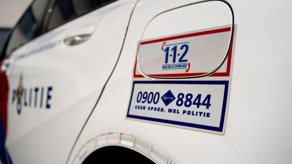 Noodnummers op een politieauto. Foto: Jasper Lindner / Omroep Gelderland