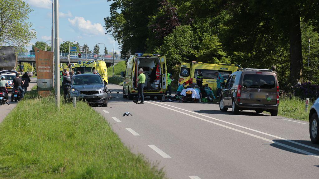 Man (19) op snorfiets overleden na aanrijding met auto