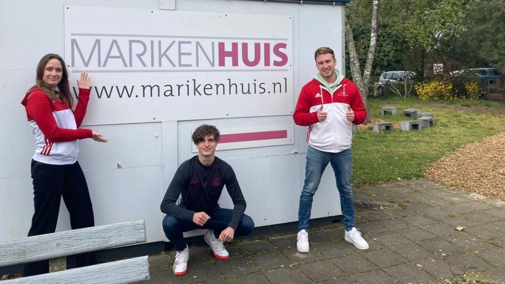 Ondernemers laten zich opsluiten en studenten lopen voor het Marikenhuis Nijmegen